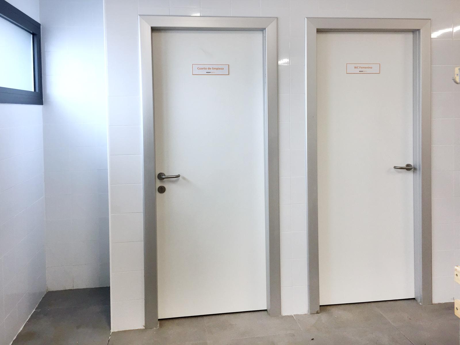 PANELES FENÓLICOS para baños