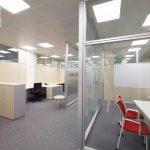 Fabricantes de mamparas de oficina para separar espacios ⭐