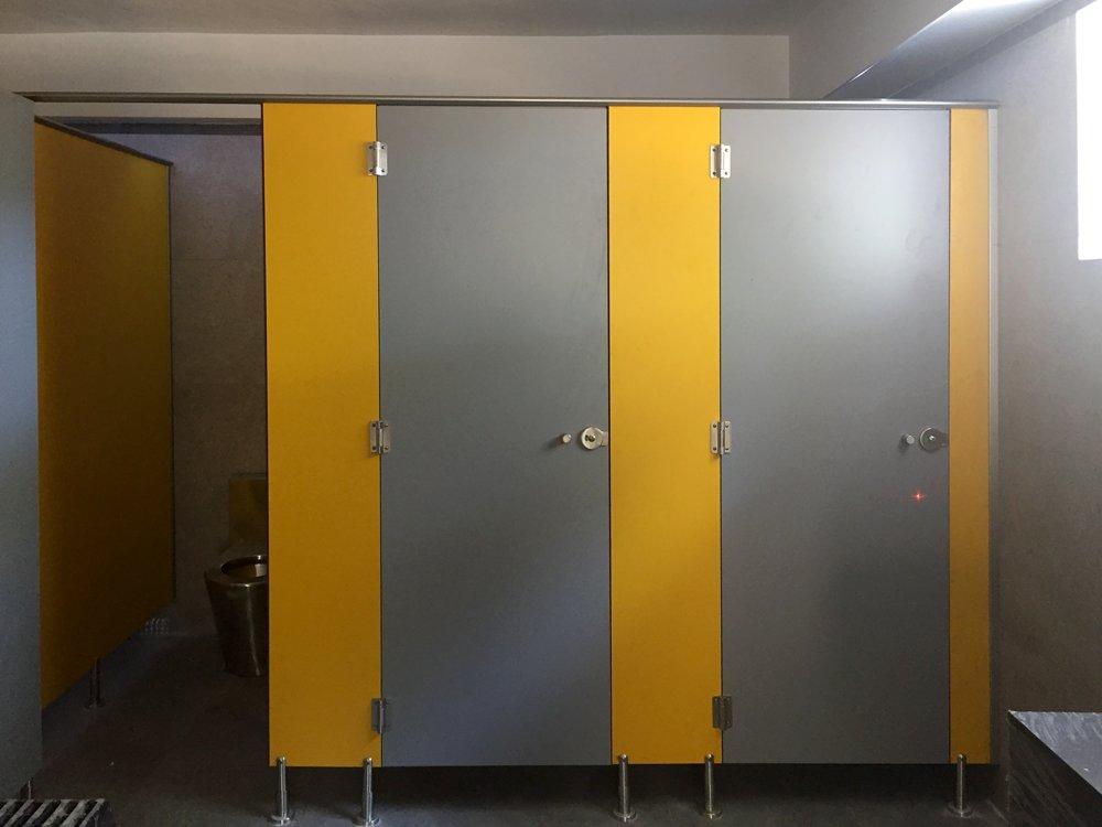 Reforma de baños camping Es Canar - DESMON