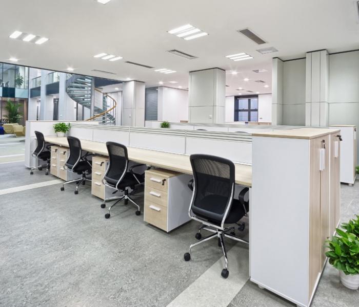 Oficinas con mobiliario Desmon